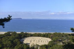 瀬戸内海と銭形砂絵