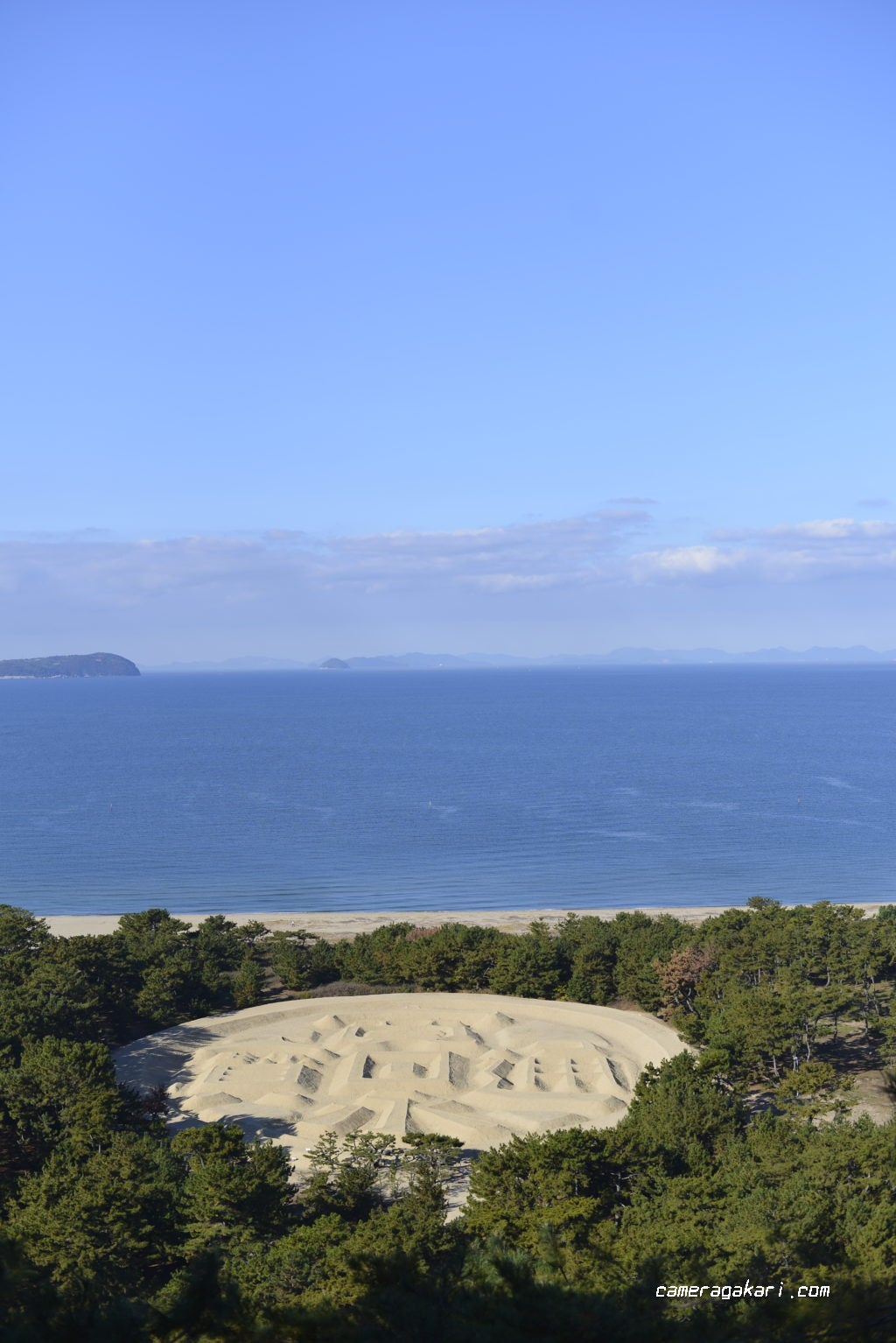 象ヶ鼻岩銭形展望台から望む