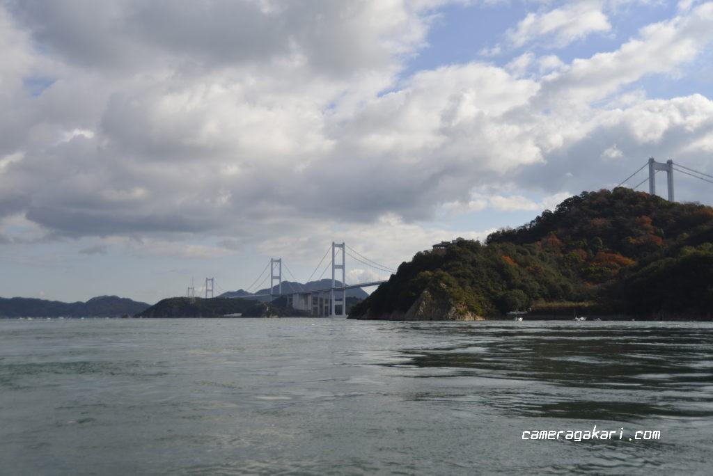 船から見た来島海峡大橋