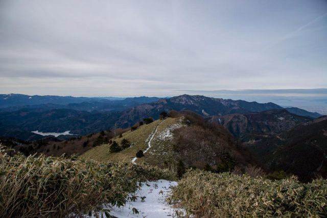 堂ヶ森 登山道 稜線