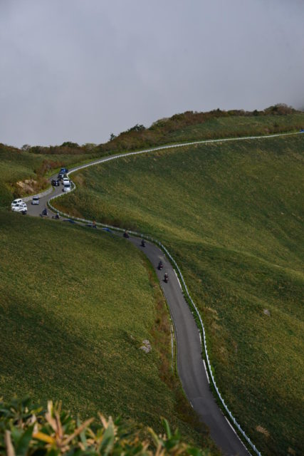 自念子ノ頭から見た稜線の風景