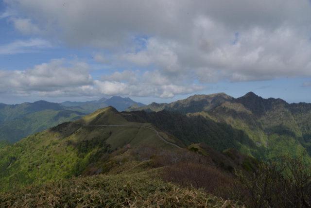 東黒森山頂から見たUFOライン